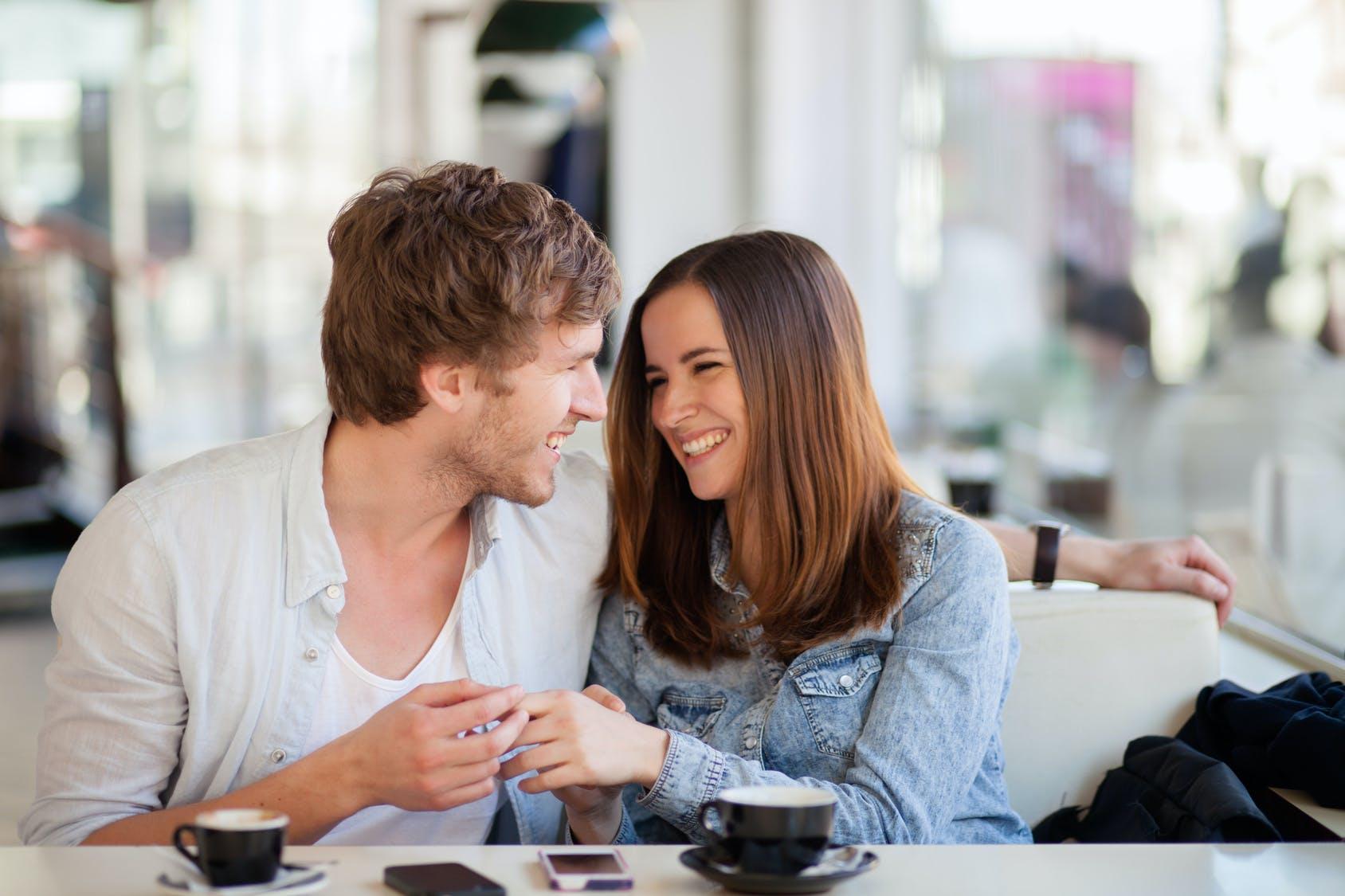 Beautiful Couples Онлайн