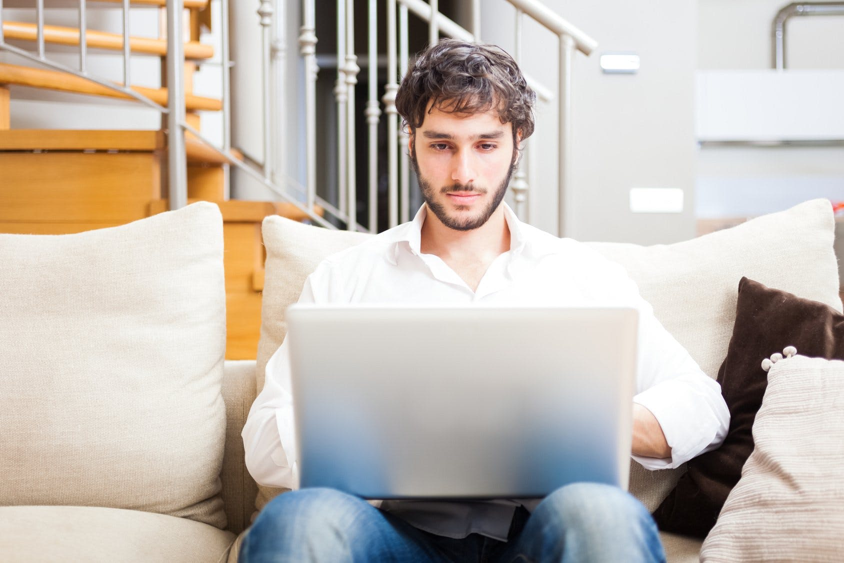 The Top 10 Mistakes Men Make When Contacting Women Online