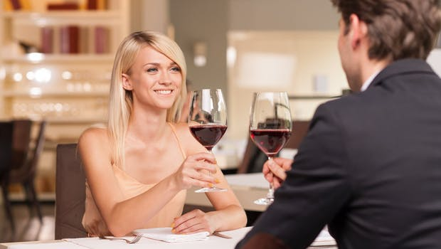 Gëzojnë First Date juaj