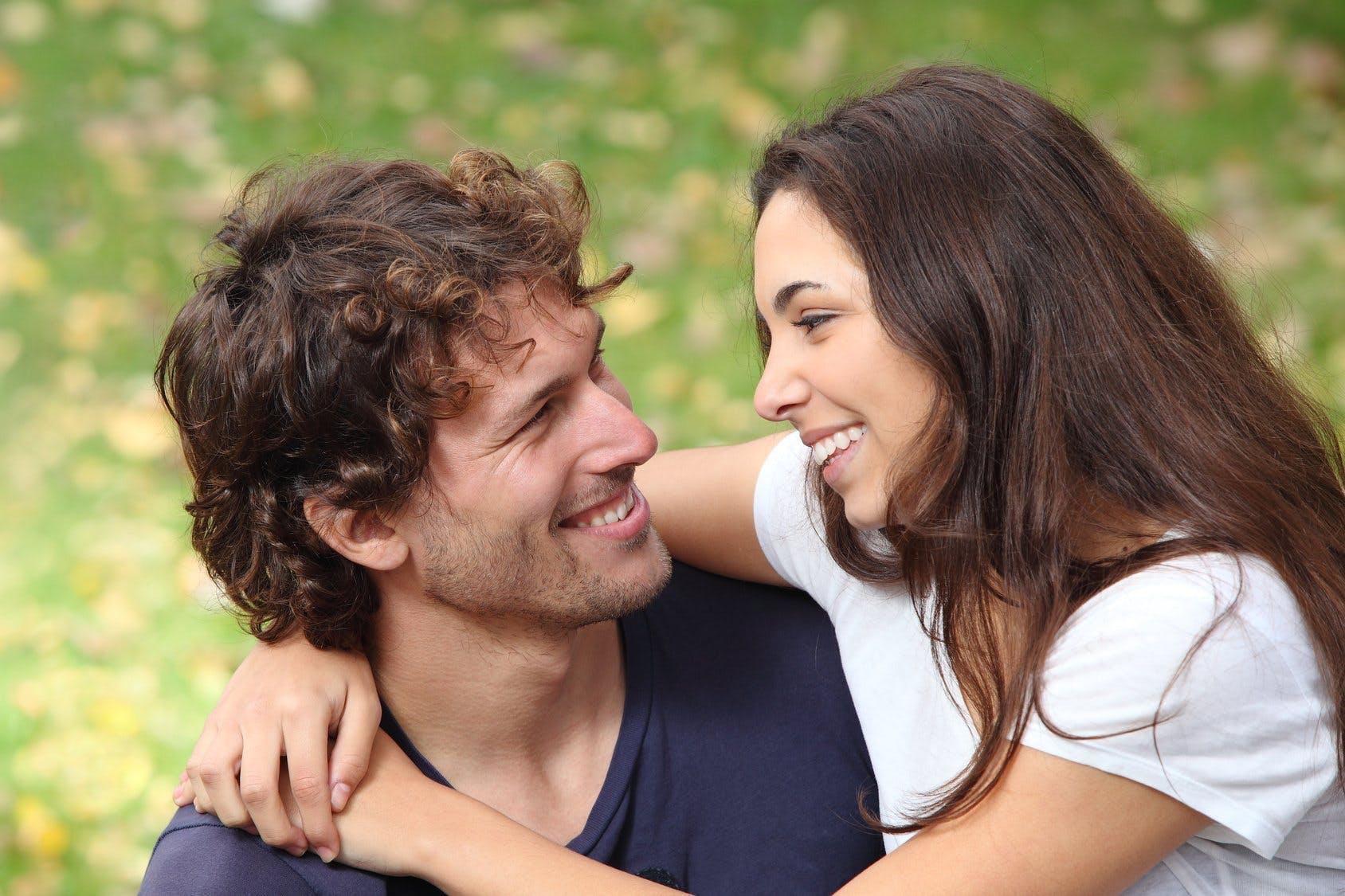 nieśmiali faceci randki online
