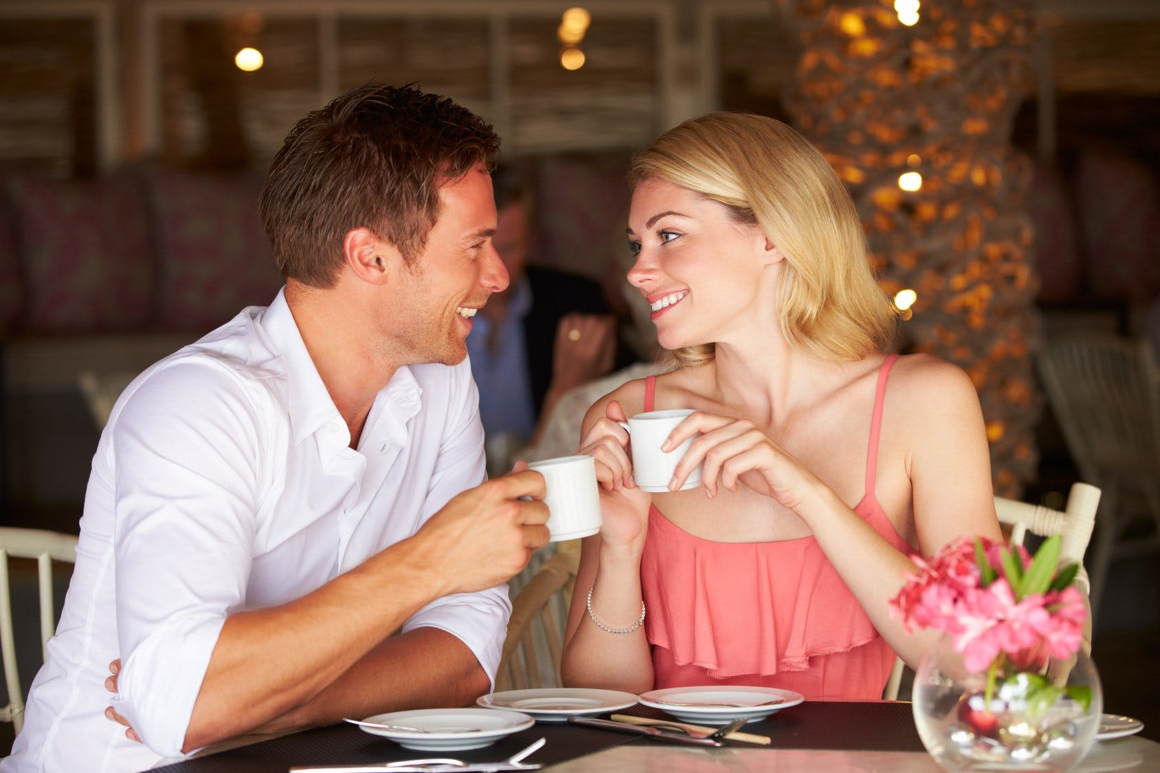 5 Things You Should Avoid Talking About On A First Date