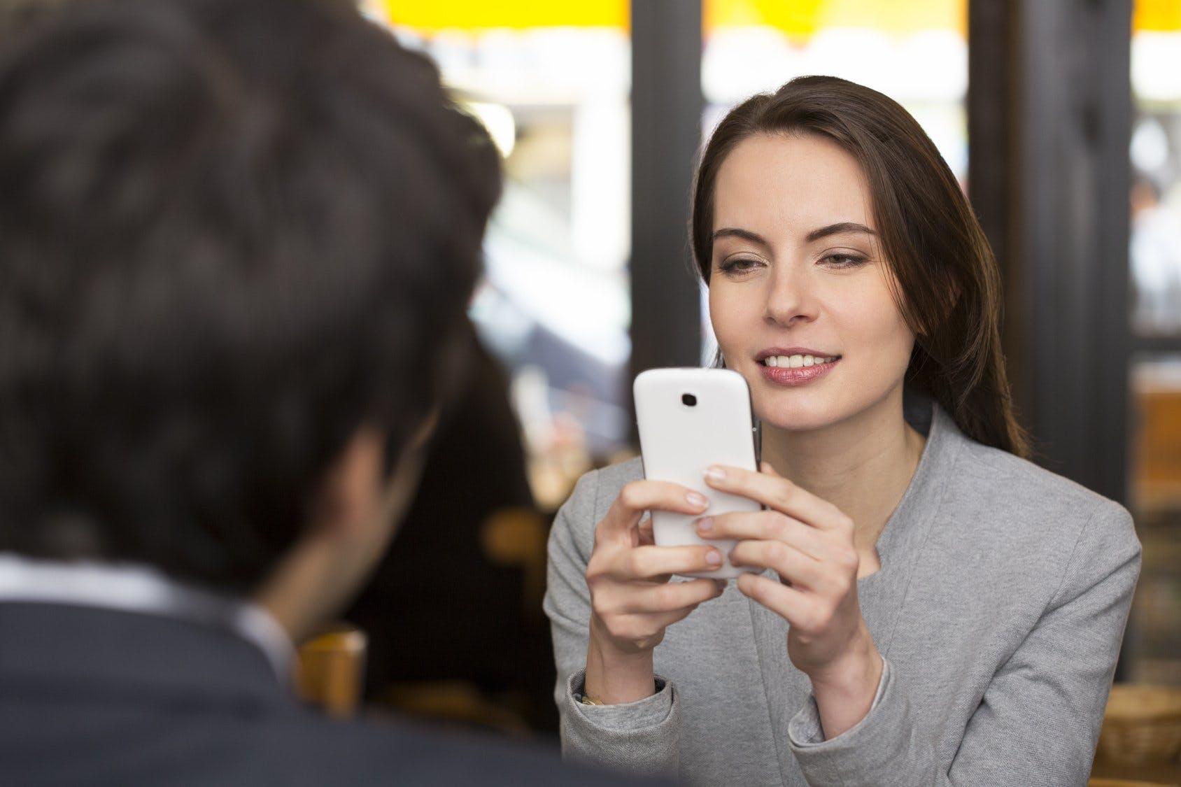 ako často hovoriť s niekým, koho ste datovania