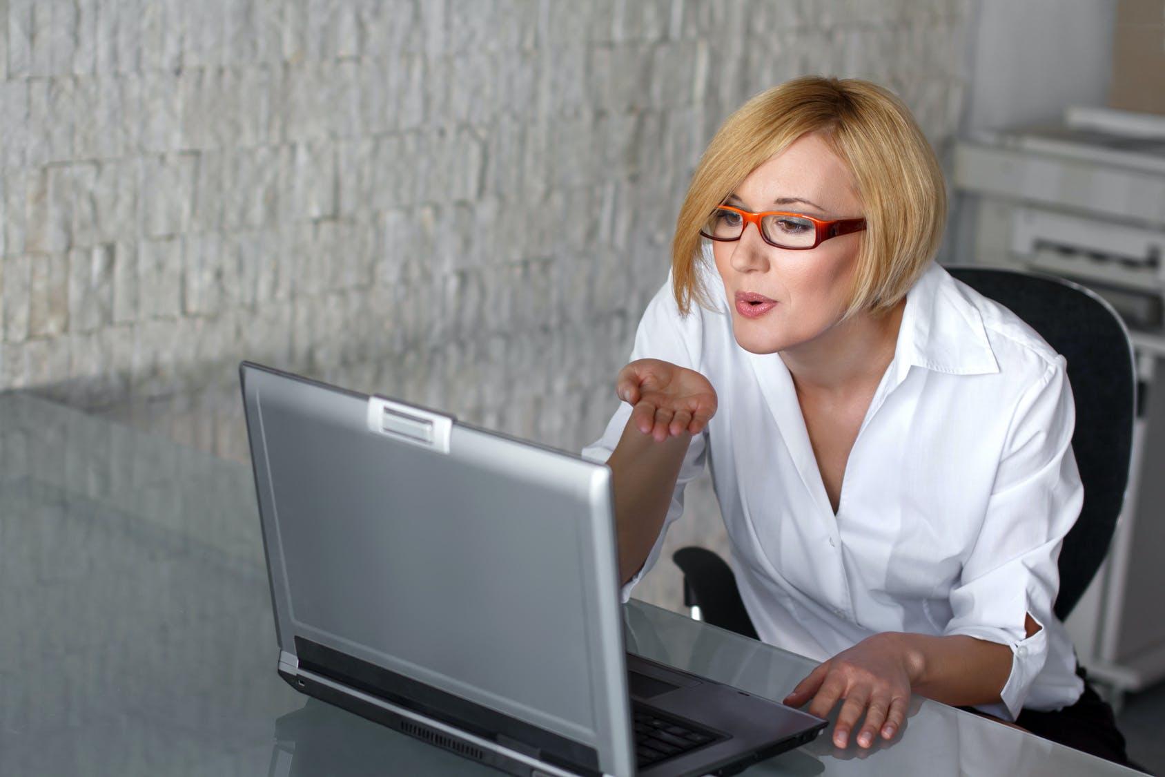 5 Tee ja kiellot onnistuneen Online Dating